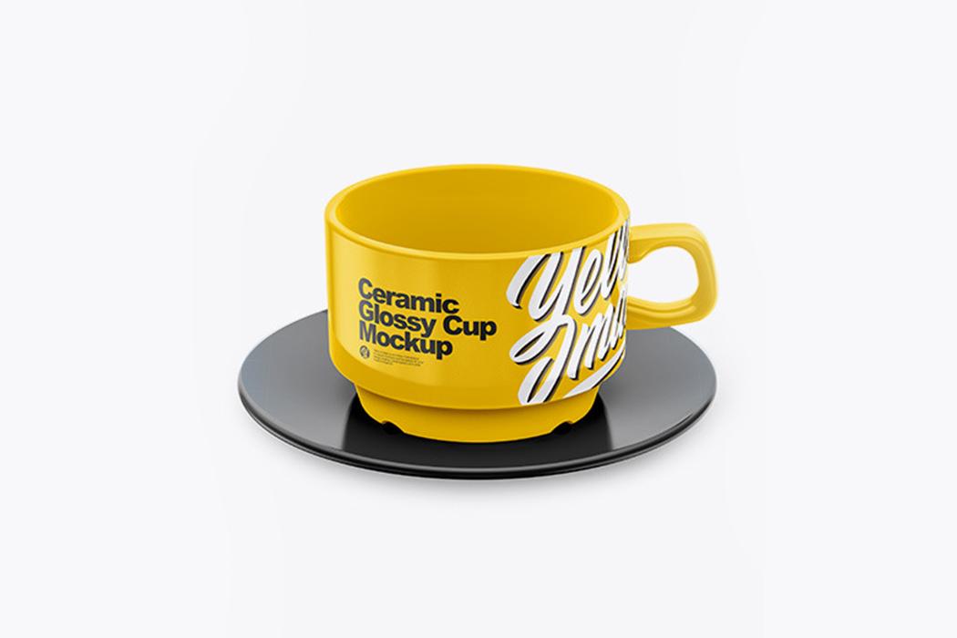 光面杯碟样机(高角度拍摄)Glossy-Cup-&-Saucer-Mockup-(High-Angle-Shot)